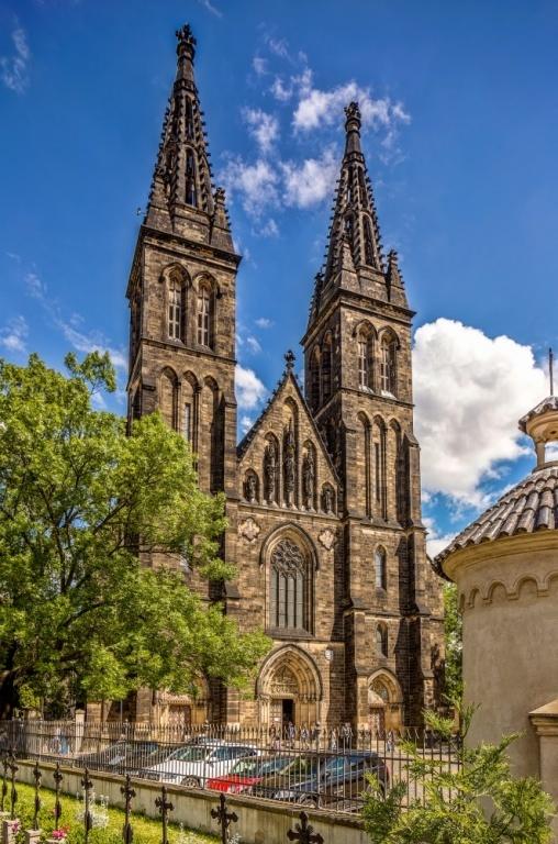 Kostel sv. Petra a Pavla na Vyšehradě - jedna z mála staveb, kterou Vratislav založil, a která se dosud dochovala, byť ne úplně v též podobě.