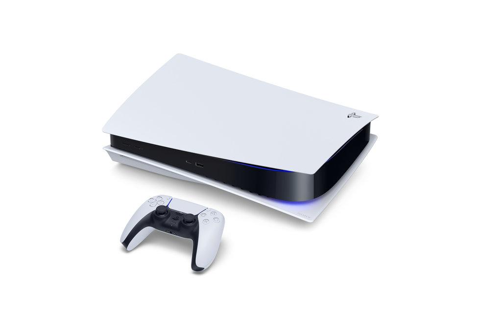 Konzole PlayStation 5 může být položena i horizontálně.