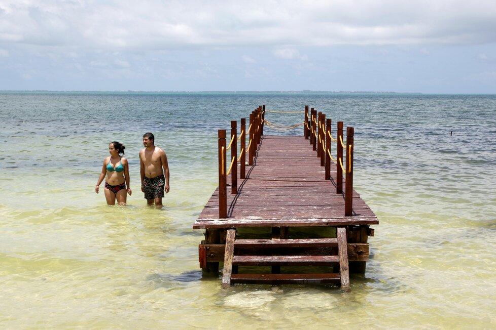 Pláže v Mexiku v době rozvolnění opatření po pandemii koronaviru (11. 6. 2020)