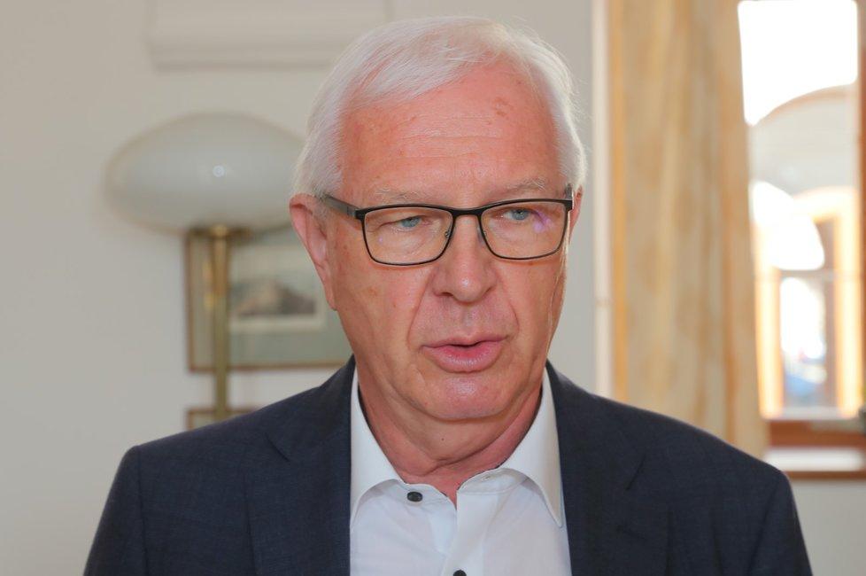 Senátor Jiří Drahoš na senátorské snídani (16.6.2020)