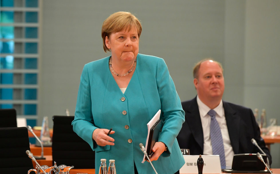 Kancléřka Angela Merkelová jednala s ministerskými předsedy jednotlivých spolkových zemí poprvé osobně od propuknutí koronakrize (17.6.2020)