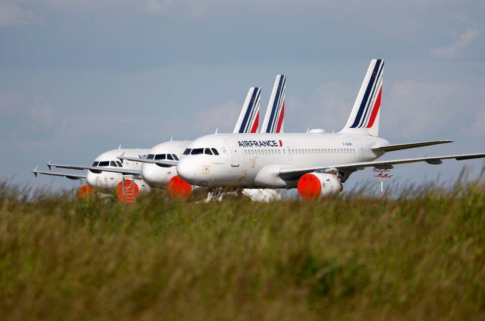 Letadla společnosti Air France na pařížském letišti Charles de Gaulle.