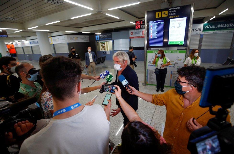 Jako první se v rámci pilotního projektu na Mallorcu vrátili turisté z Německa (18. 6. 2020)
