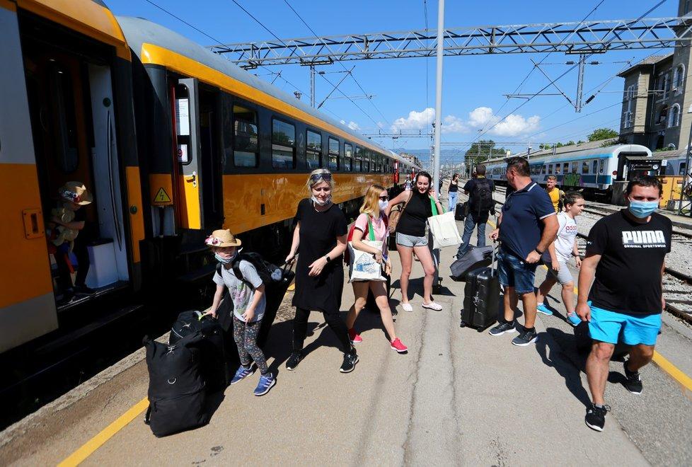 Přímý vlak s Čechy dorazil do chorvatské Rijeky (1. 7. 2020)
