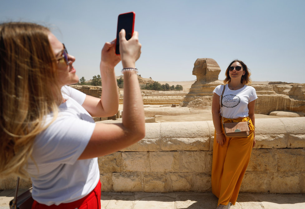 Egypt po koronakrizi otevřel brány turistům. (1.7.2020)
