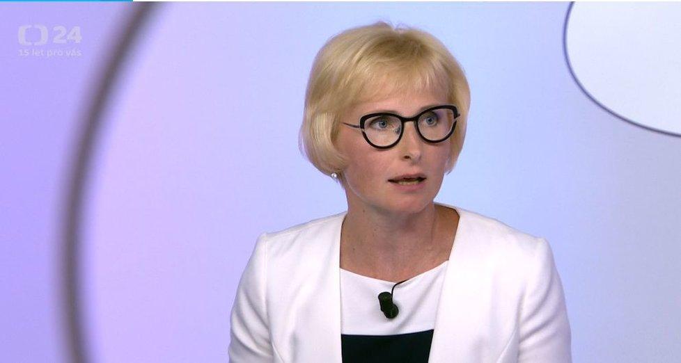 Europoslankyně Kateřina Konečná (KSČM) v České televizi (5. 7. 2020)