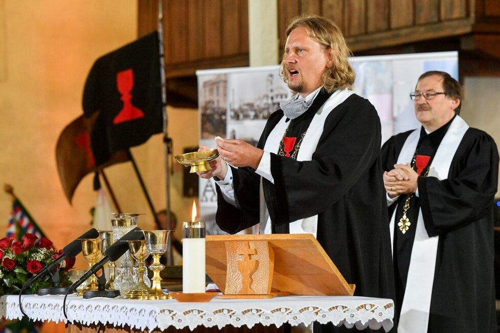 Bohoslužba v pražské Betlémské kapli 6. července 2020 připomněla 605. výročí smrti církevního reformátora Jana Husa (6. 7. 2020)