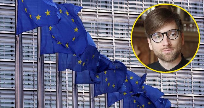 Začíná regulace platforem a internetových vyhledávačů, píše Koudelka