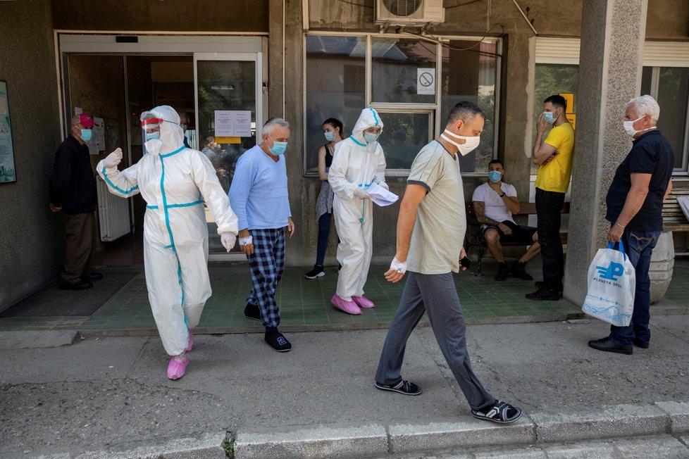 Boj s koronavirem v Bělehradě (26. 6. 2020)