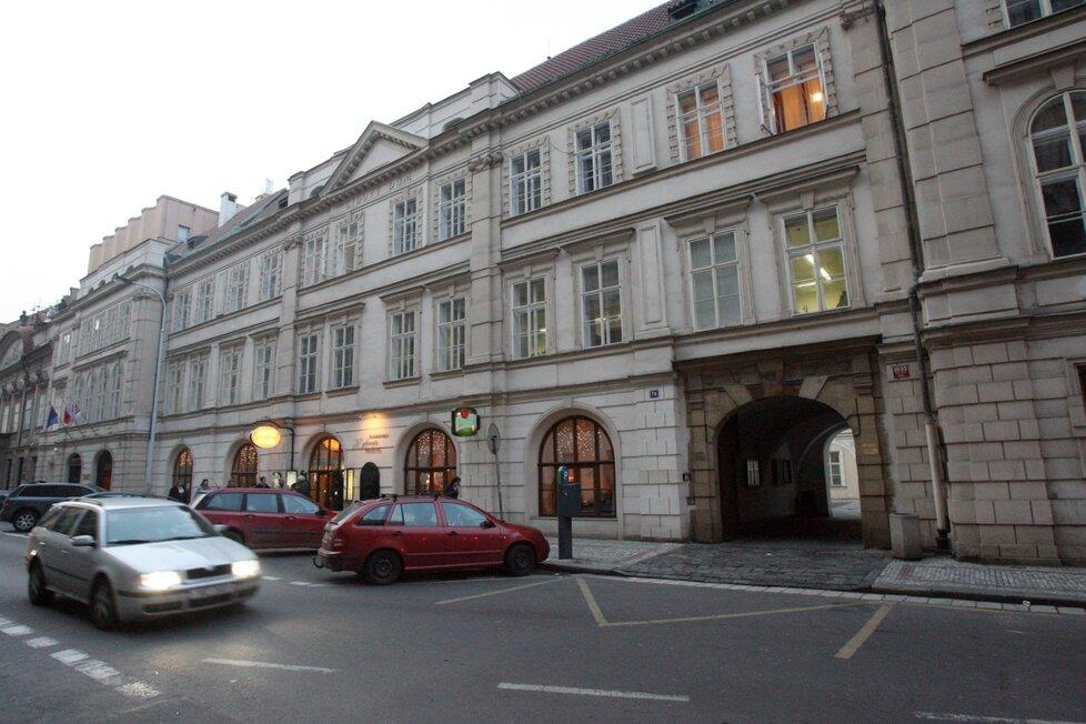 Lidový dům v Praze.