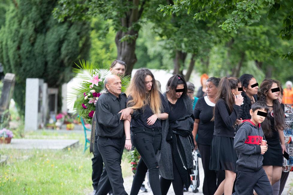 Pohřeb vraha Marečka (†2) Josefa Kuči (†21) v Lounech.