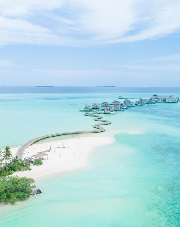 Hotely na Maledivách se otvírají turistů, (15.07.2020).