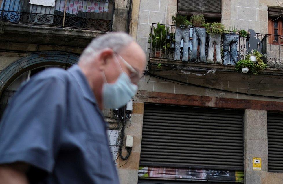 V Katalánsku znovu roste počet nakažených.