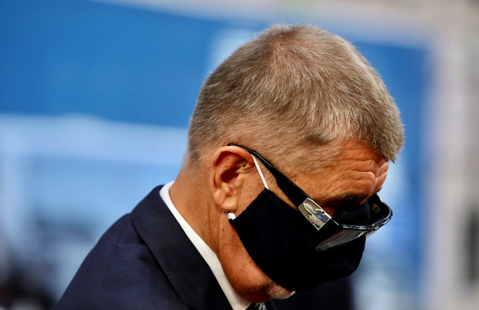Premiér Andrej Babiš na summitu v Bruselu.