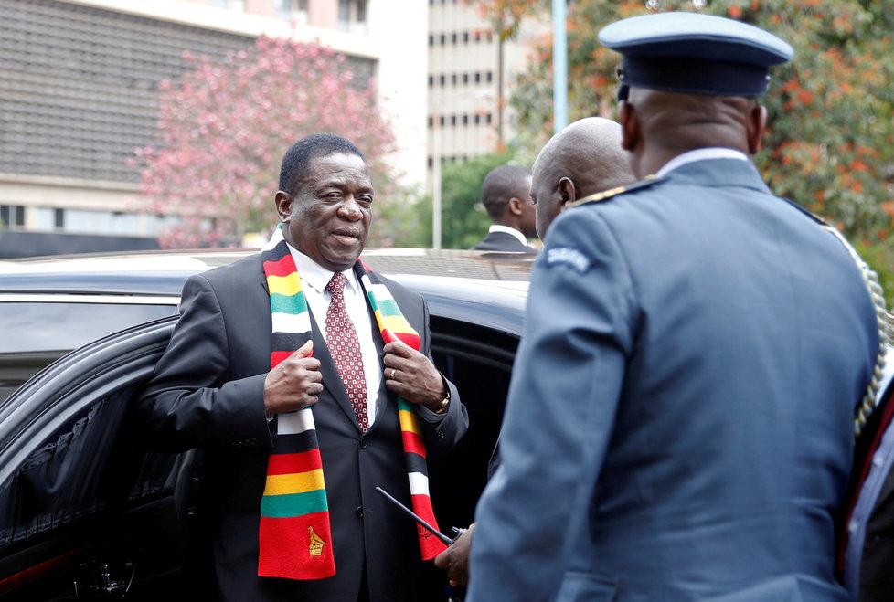 Koroanvirus v Zimbabwe, na snímku prezident Emmerson Mnangagwa.