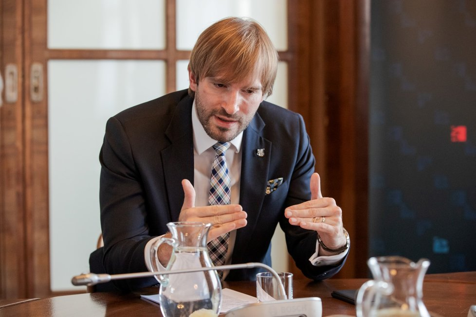 Ministr zdravotnictví Adam Vojtěch (za ANO) během rozhovoru pro Blesk Zprávy (24.7.2020)