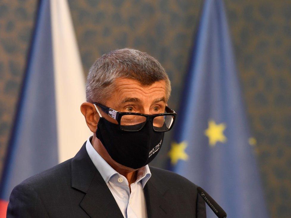 Premiér Andrej Babiš (ANO) na tiskové konferenci po jednání vlády (27. 7. 2020)
