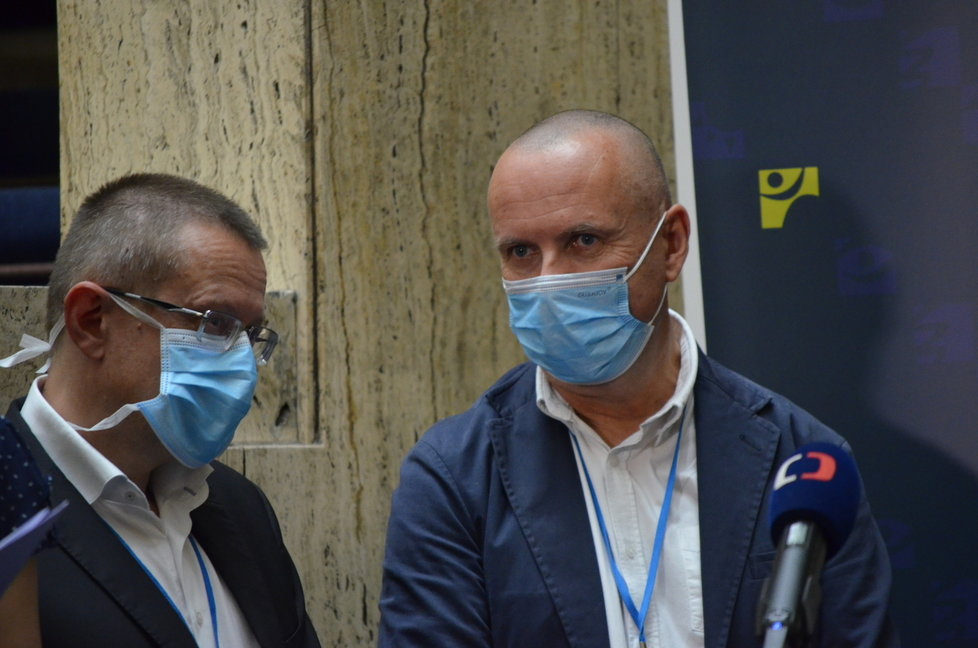 Anesteziolog Vladimír Černý na tiskové konferenci ministerstva zdravotnictví ohledně virového semaforu pro ČR (3.8.2020)