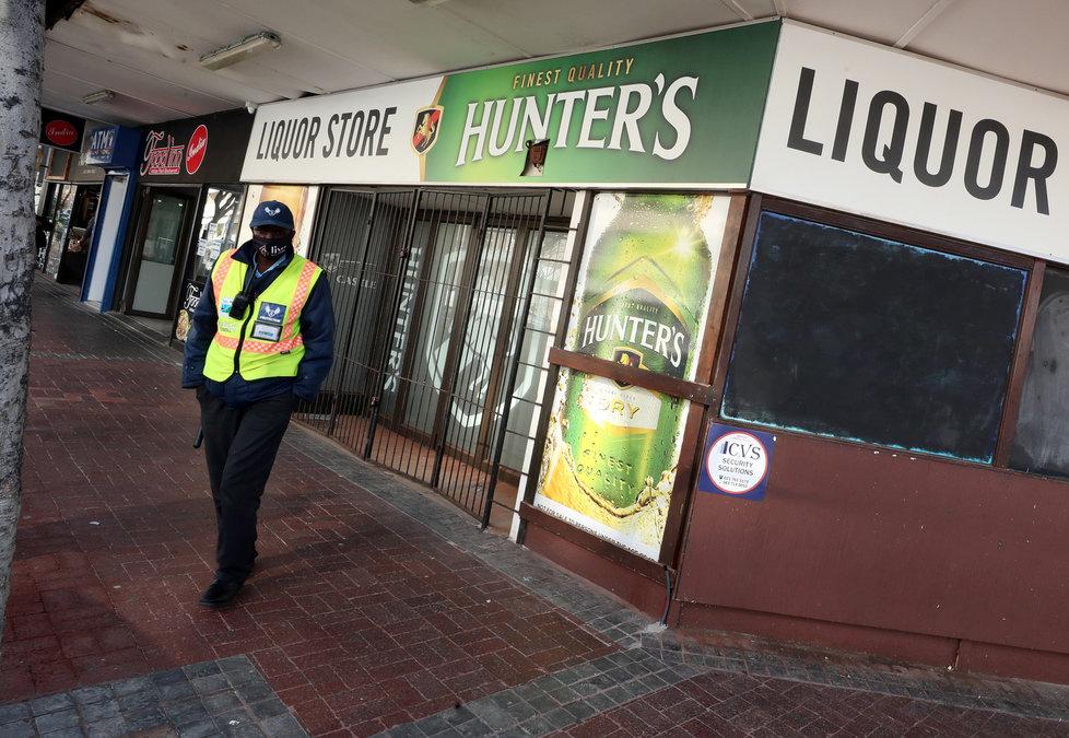 V Jihoafrické republice protestují zaměstnanci restauračních zařízení proti opatřením spojeným s pandemií koronaviru (14.8.2020)