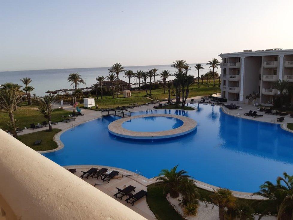 Tunisko láká na vysoké teploty, prázdné pláže i hotely