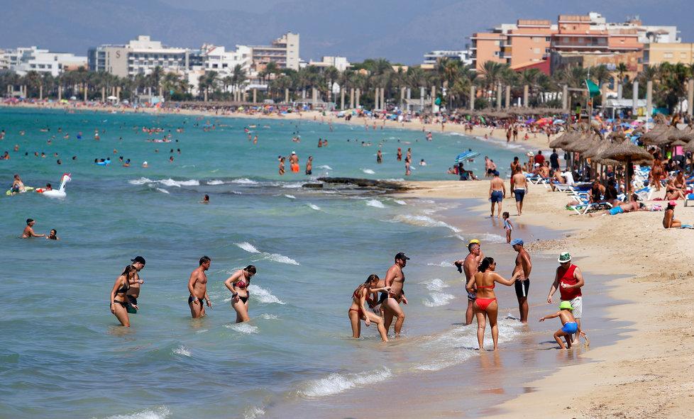 Koronavirus ve Španělsku: Pláže v Palma de Mallorca (15.8.2020)
