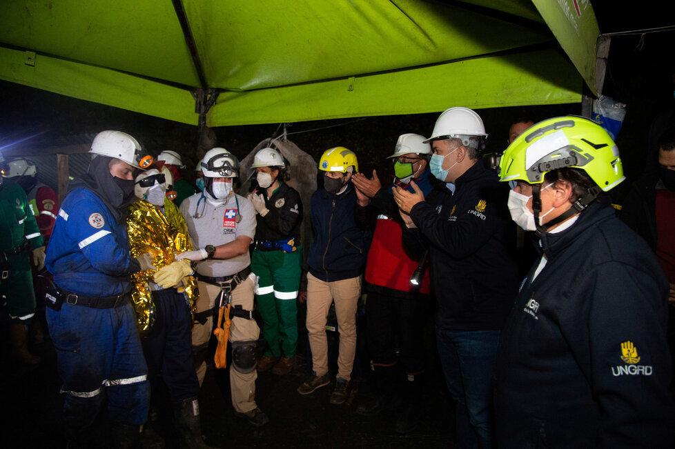 Horníci v Kolumbii nasadili roušky (24.8.2020)