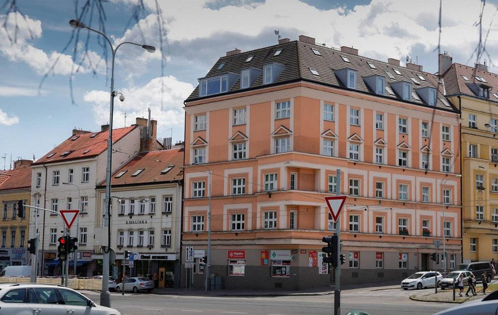 Byt Menzelových v Košířích: Bydleli v podkroví, teď je byt k prodeji.