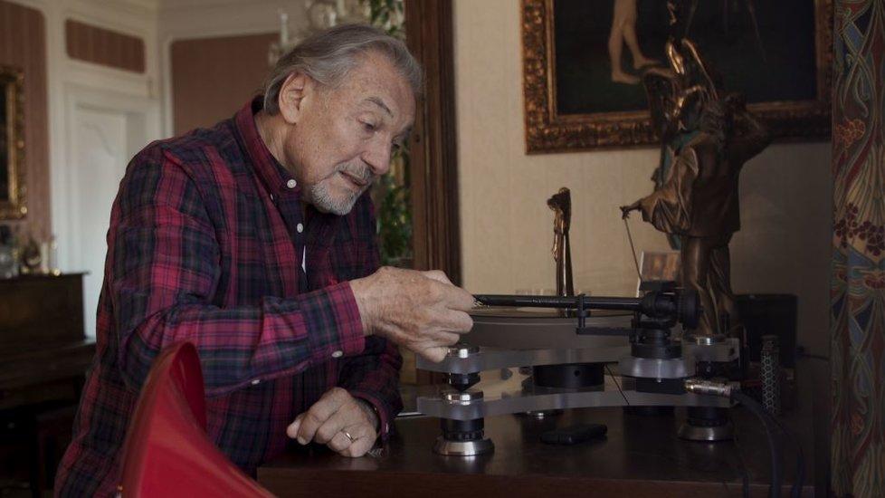 Záběry z dokumentu o Karlu Gottovi