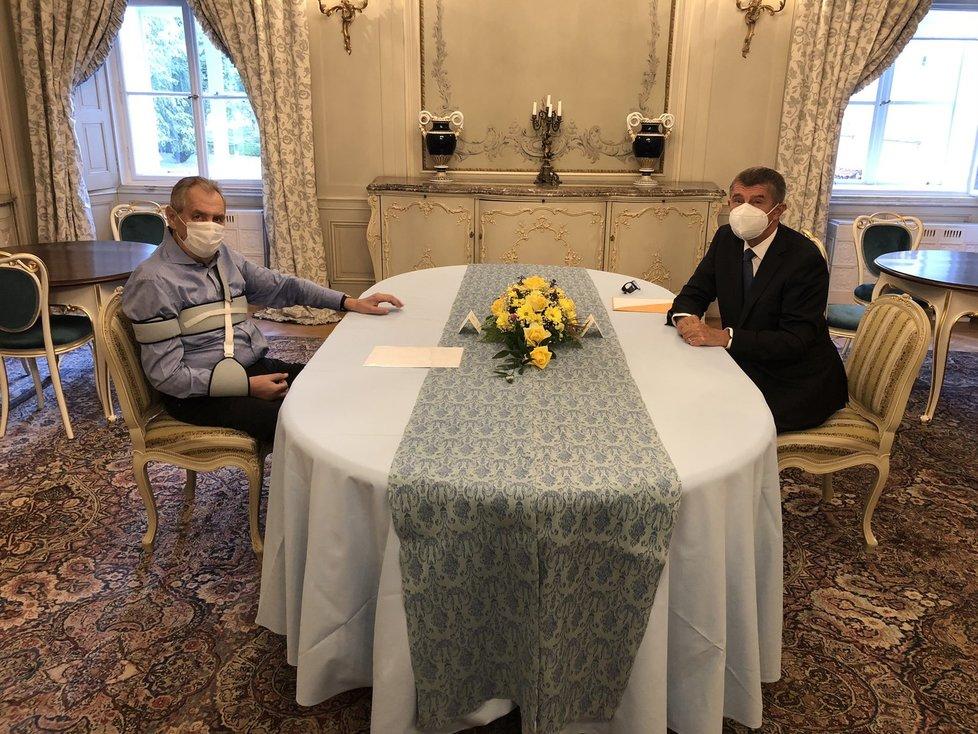 Prezident Miloš Zeman přivítal na večeři v Lánech premiéra Andreje Babiše (ANO)