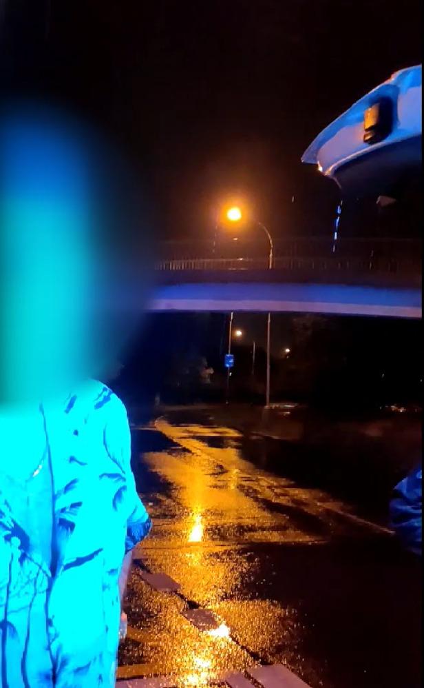 Opilý řidič chtěl uplatit policisty. Nabídl jim deset tisíc korun.