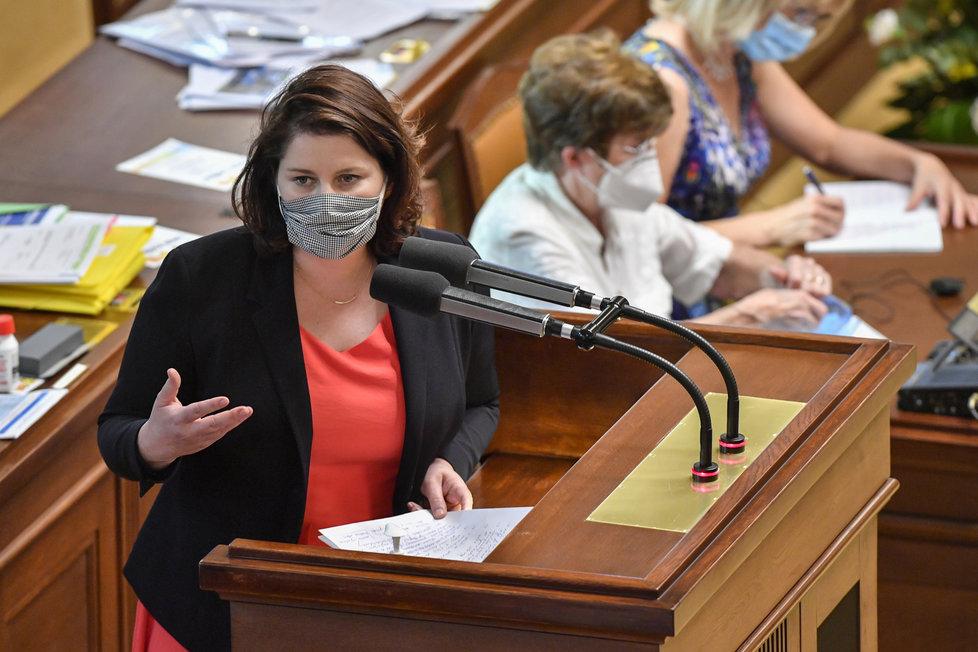 Ministryně práce a sociálních věcí Jana Maláčová na schůzi Poslanecké sněmovny. (15.9.2020)