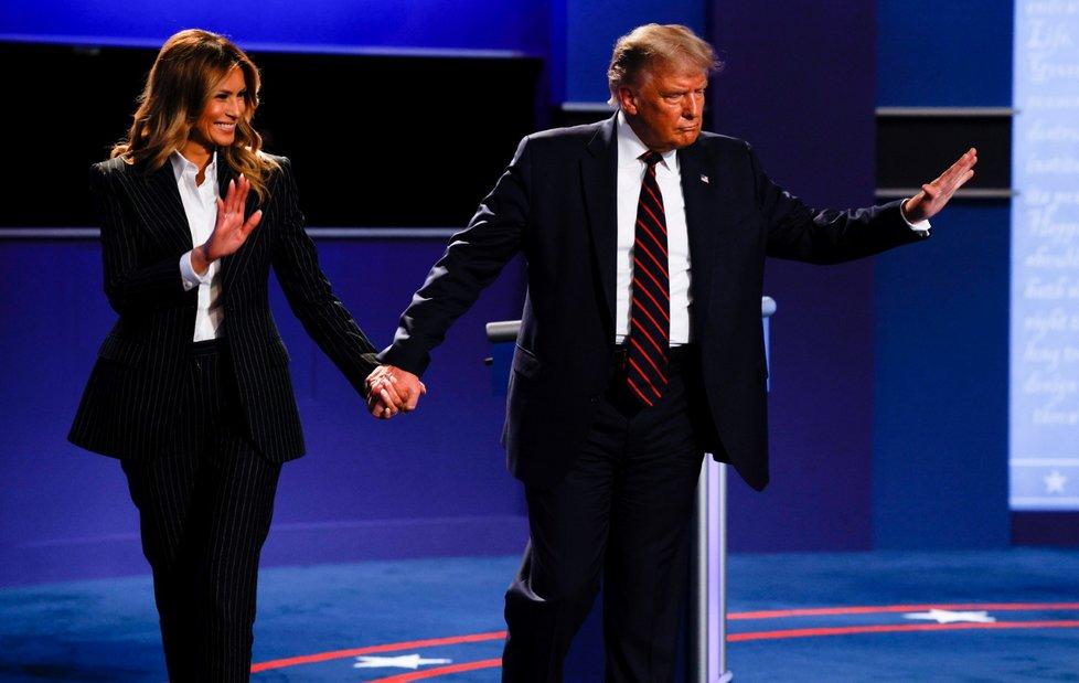 První debata kandidátů před americkými prezidentskými volbami: prezident Donald Trump s manželkou Melanií
