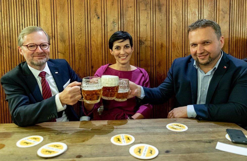 Povolební přípitek: Petr Fiala (ODS), Markéta Pekarová Adamová (TOP09) a Marian Jurečka (KDU-ČSL) (3.10.2020)