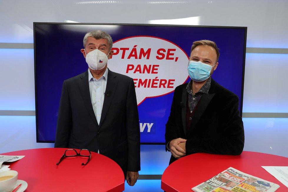 Premiér Andrej Babiš (ANO) v pořadu Ptám se, pane premiére s moderátorem Jakubem Veinlichem (4. 10. 2020)