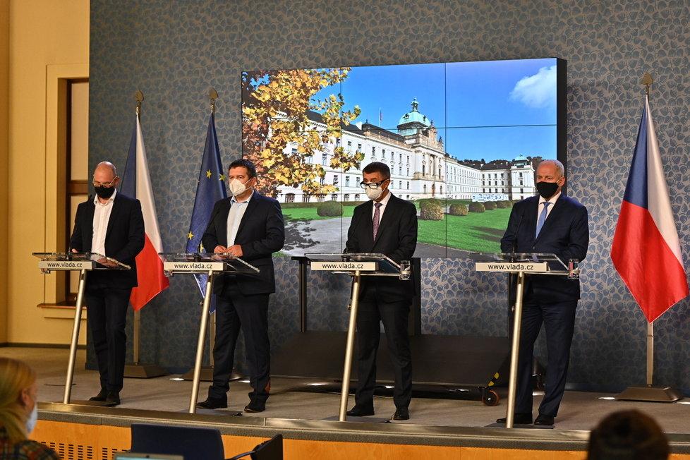 Vláda zpřísnila koronavirová opatření: Plaga, Hamáček, Babiš a Prymula na tiskovce (12. 10. 2020)
