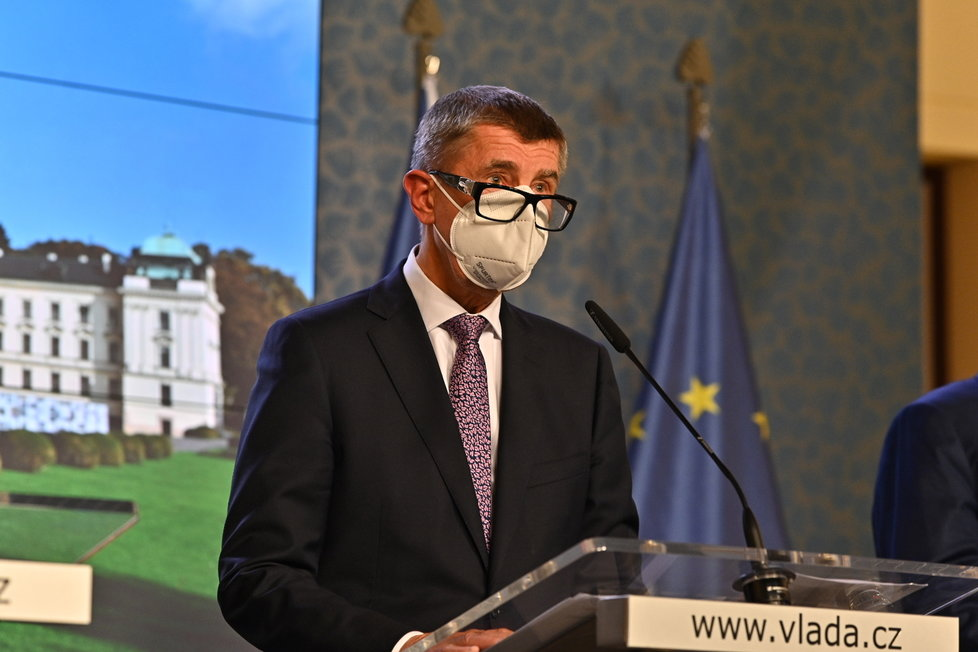 Vláda zpřísnila koronavirová opatření: Premiér Babiš na tiskovce (12. 10. 2020)