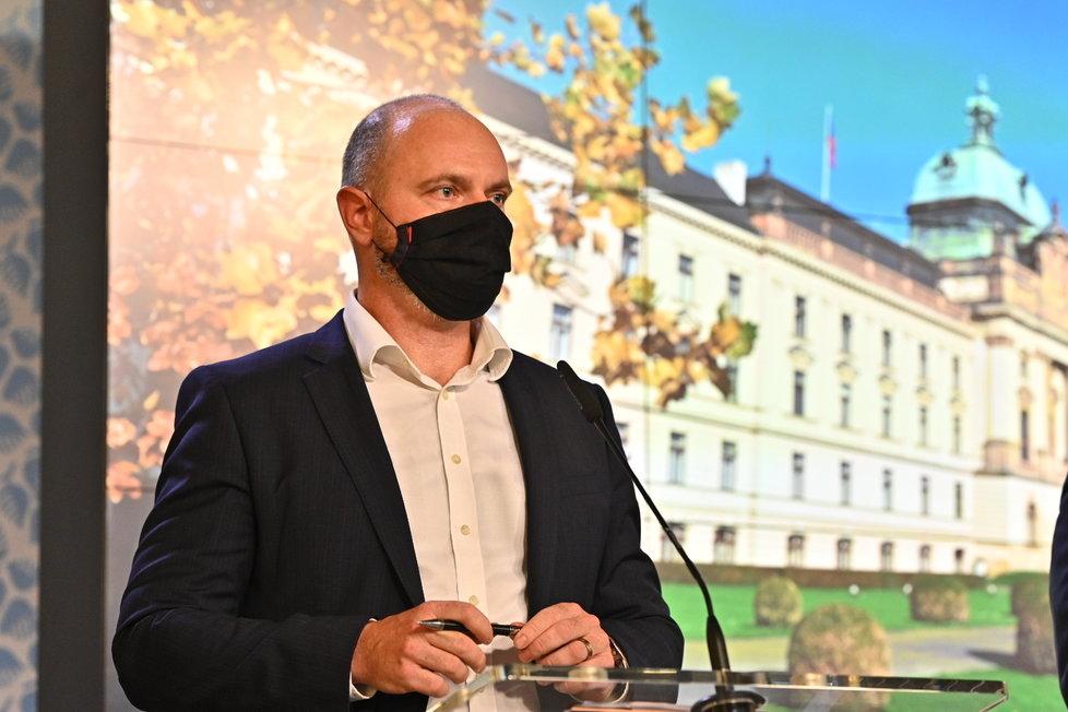 Vláda zpřísnila koronavirová opatření: Ministr školství Robert Plaga (12. 10. 2020)