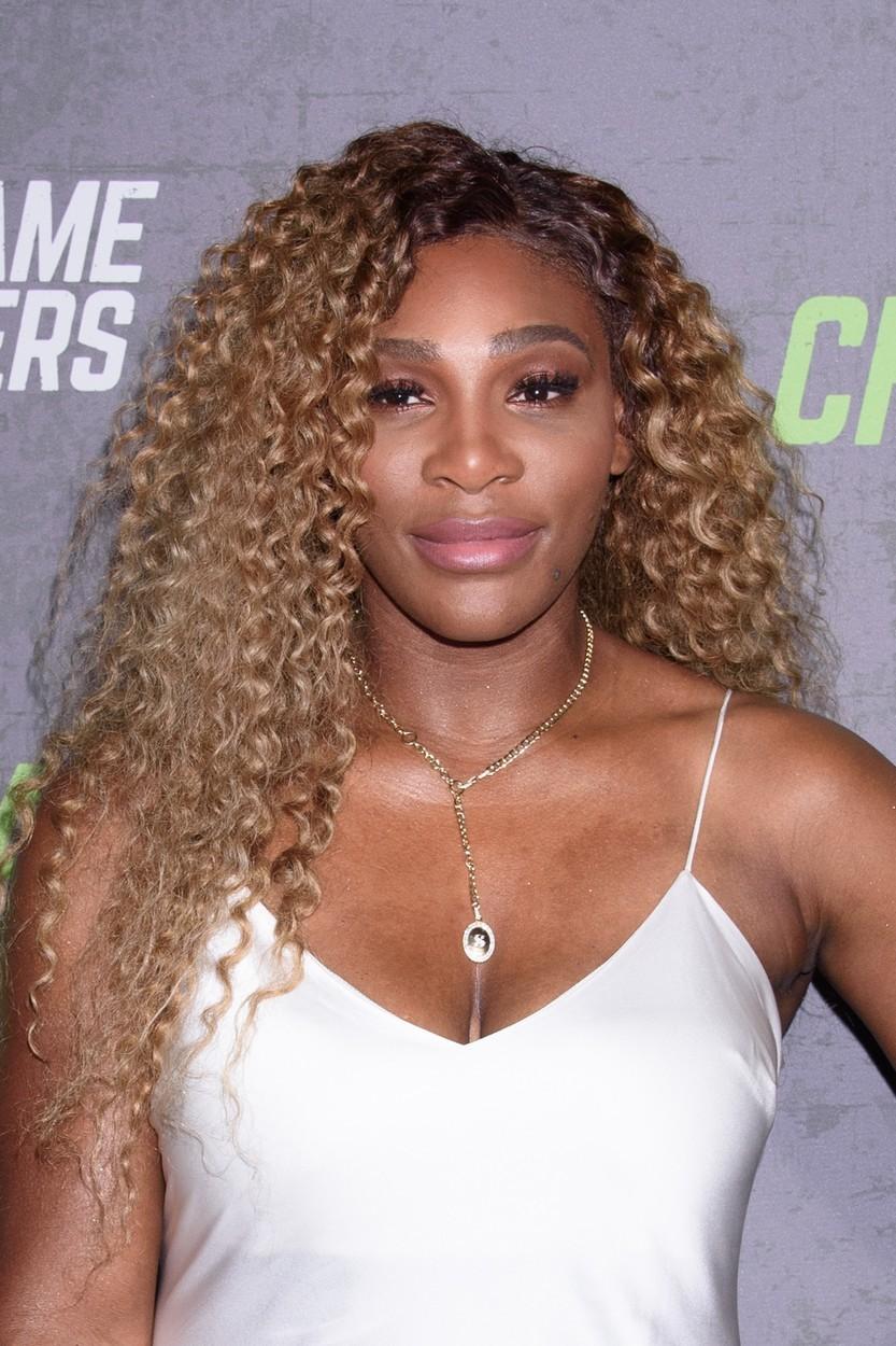 Jedna z nejlepších tenistek světa, Serena Williams, tvrdí, že nejlépe na její pokožku působí koupele v minerální vodě Evian. Ošetření s názvem Evian Experience stojí zhruba pět tisíc dolarů.