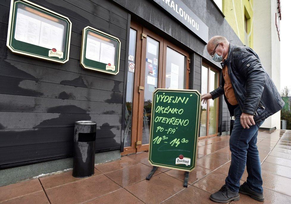 Od 14. října 2020 začala platit zpřísněná opatření proti šíření koronaviru. Uzavřely se restaurace a bary, do 20:00 budou moci fungovat výdejní okénka a hotelové restaurace pro hosty.