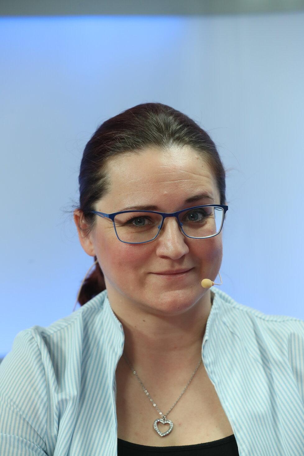Mgr. Michaela Bažantová, praktikující lékárnice a tisková mluvčí České lékárnické komory