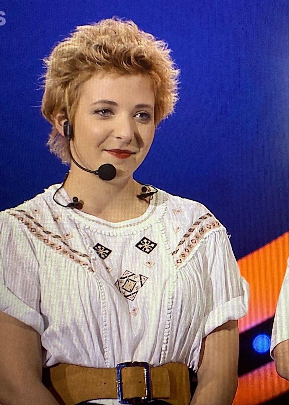 Anička Slováčková dojala v Tváři porotu i moderátora.