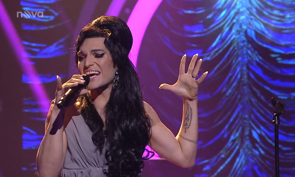 Jordan Haj zvítězil v 7. díle Tváře jako Amy Winehouse.