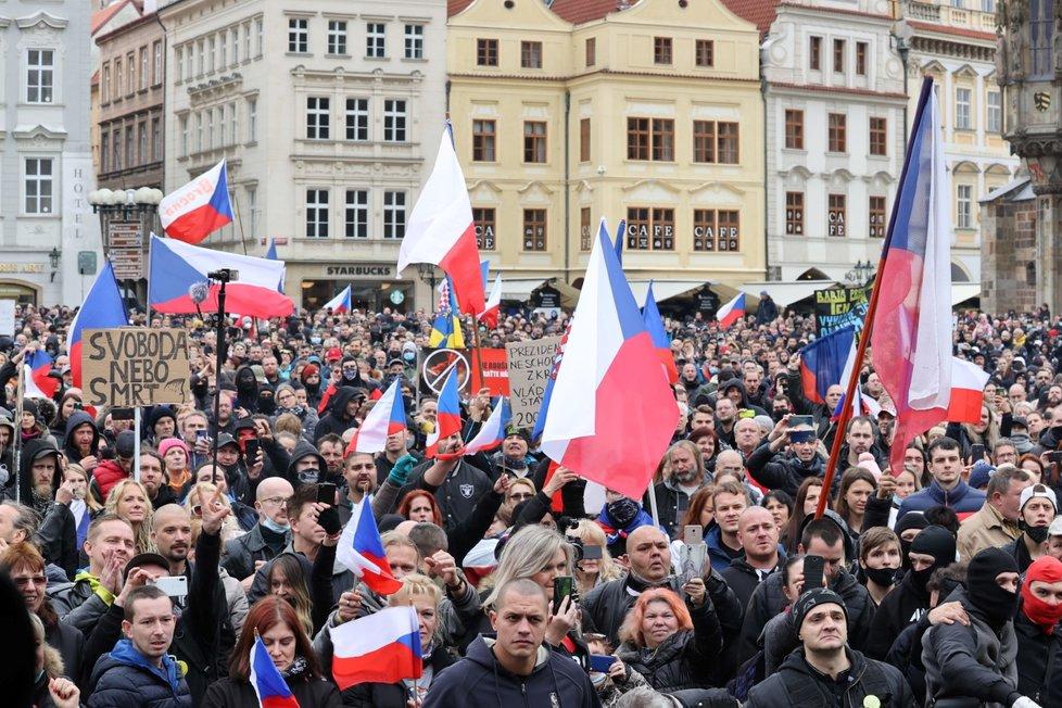 Demonstrace proti vládním opatřením, 18. října 2020.