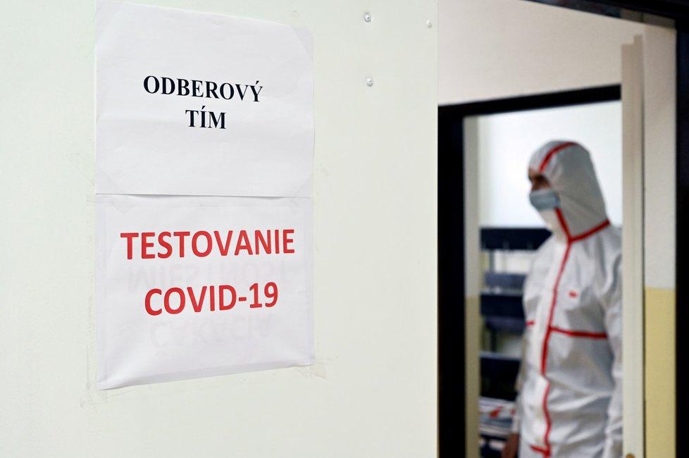 Plošné testování na Slovensku.