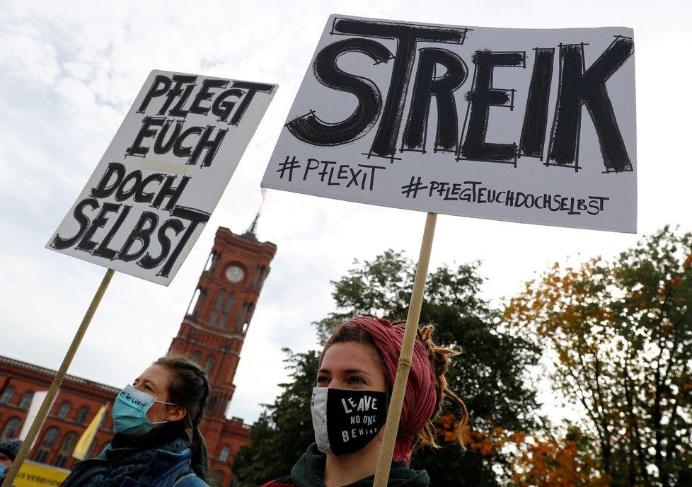 Demonstrace zdravotnických pracovníků v Berlíně (20. 10. 2020)