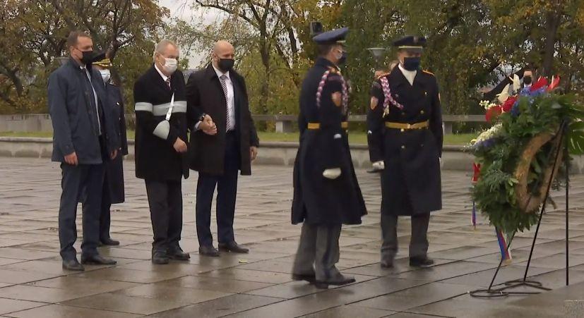 Prezident Miloš Zeman u památníku na pražském Vítkově (28. 10. 2020)