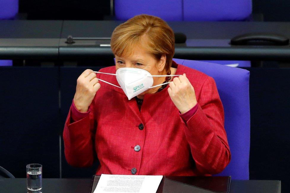 Německá kancléřka Angela Merkelová ve Spolkovém sněmu (29. 10. 2020)