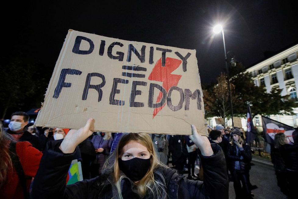 Protesty proti zostření protipotratového zákona v Polsku.
