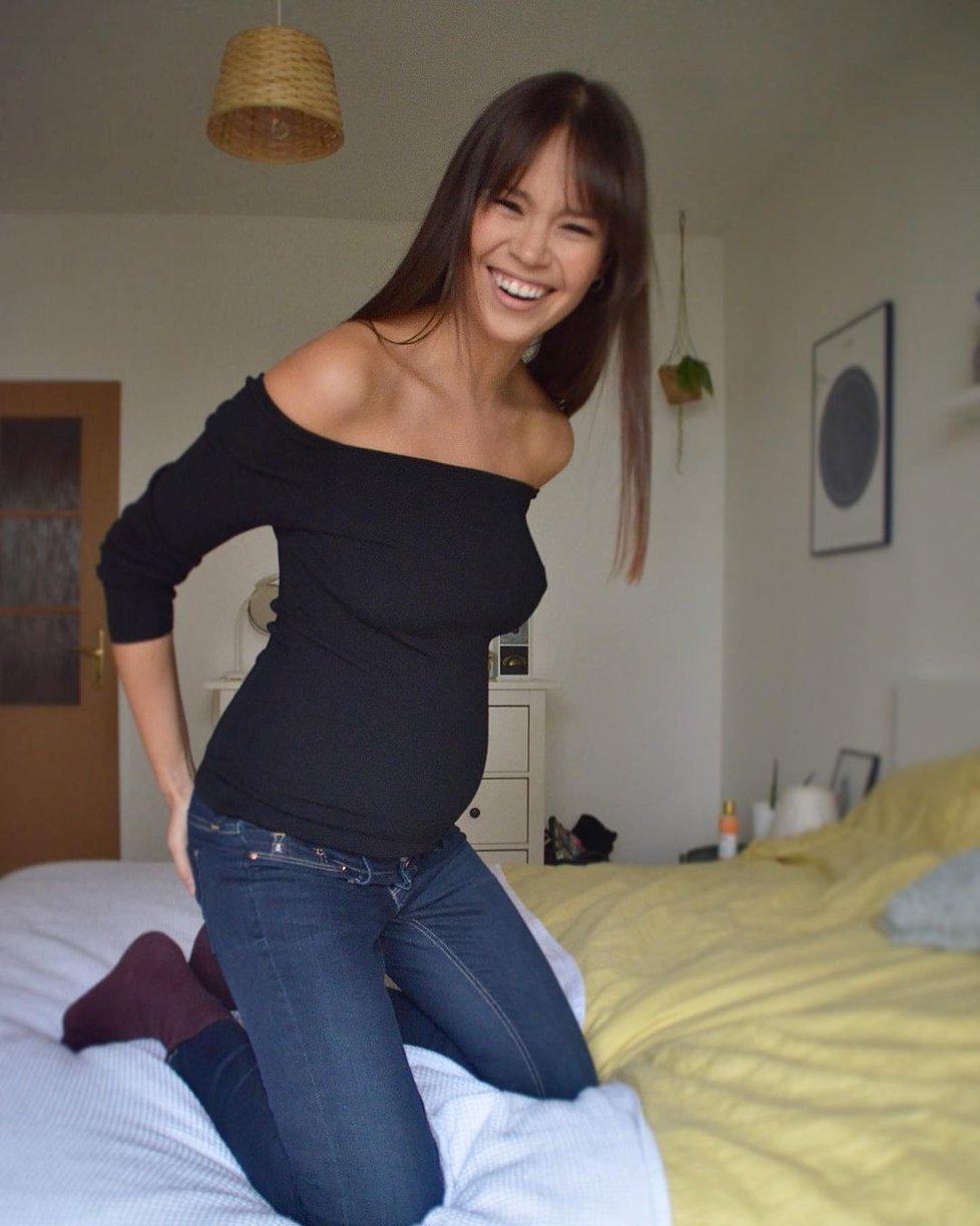 Modelka Monika Leová ve 4. měsíci těhotenství