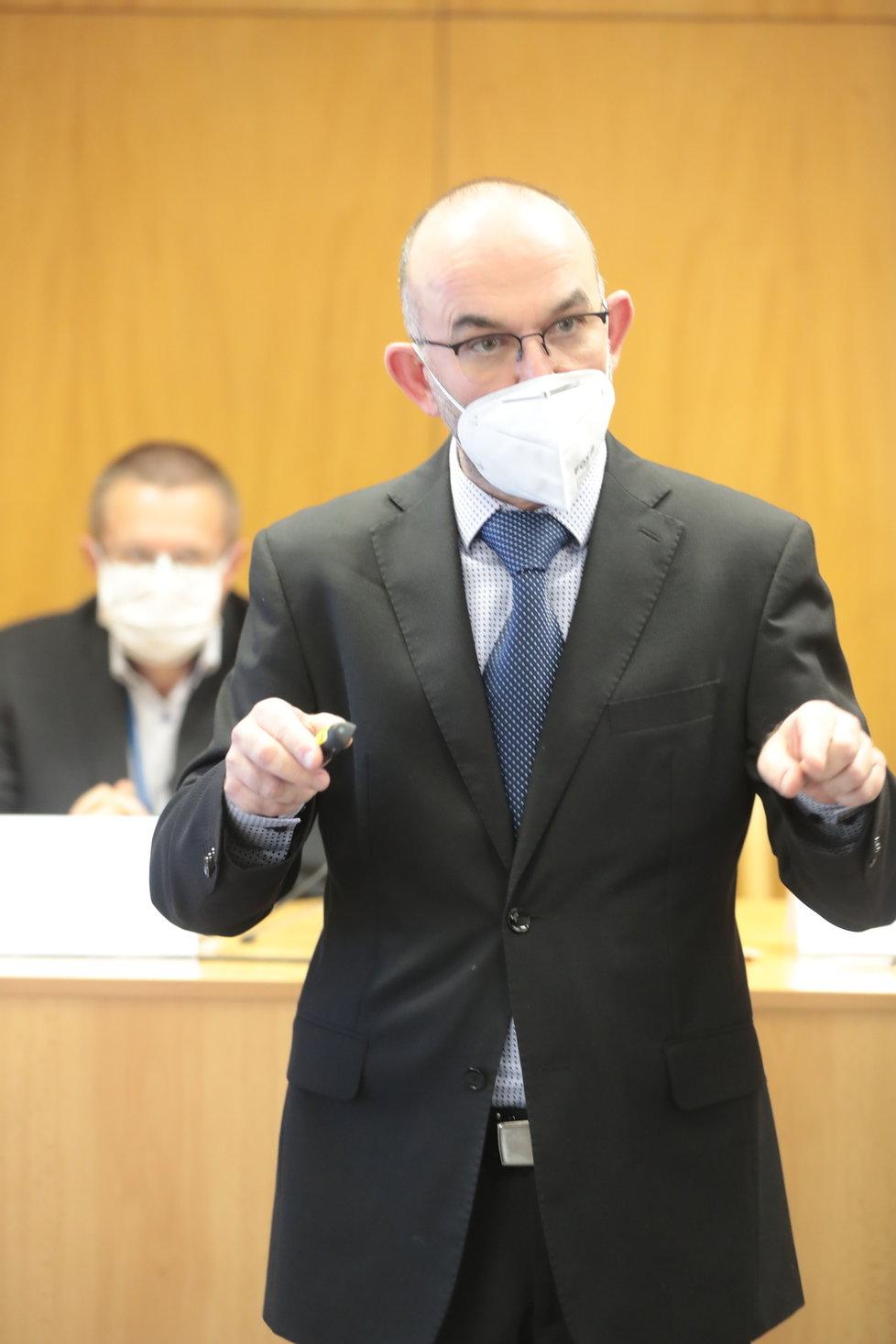 Ministr zdravotnictví Jan Blatný (za ANO) při tiskovce (13.11.2020)